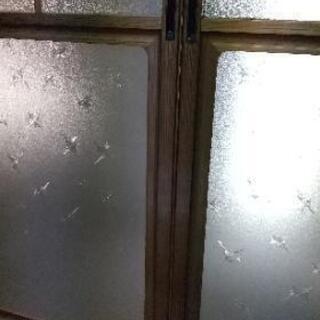 アルミサッシ枠のガラス引戸値下げ