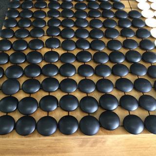 中古 碁石 黒 183個 白 178個 厚み0.82 から1.08  (cm) 硬質ガラス製 碁笥 木製 - 羽島市