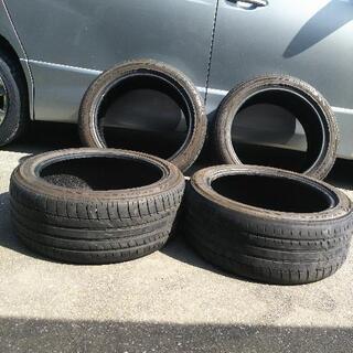 245-45-19海外製タイヤ2本、後2本はオマケ、差上げます。...