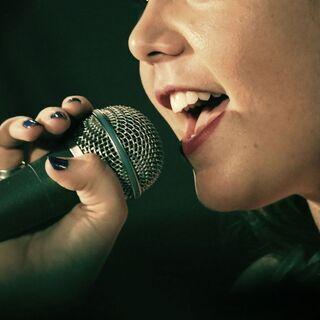 【夏の短期コース】ボーカル・ピアノ・弾き語りレッスン【四条烏丸】