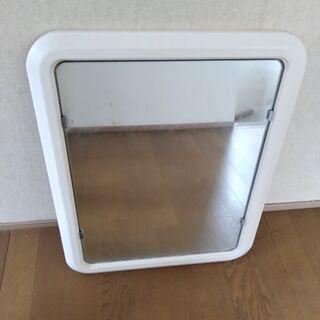 ユニットバスの鏡。