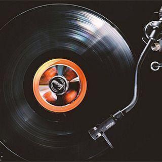 家に不要なレコードやCDがあれば引き取りさせて頂きます!!