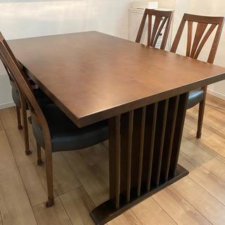 【8/1まで】ダイニングテーブル+椅子4つ