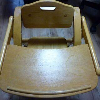 乳幼児の木製(ラバーウッド材)椅子中古