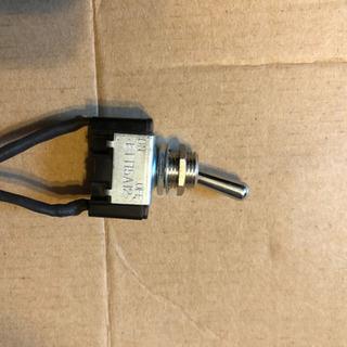 トグルスイッチ/3相/100V.200V使用可能
