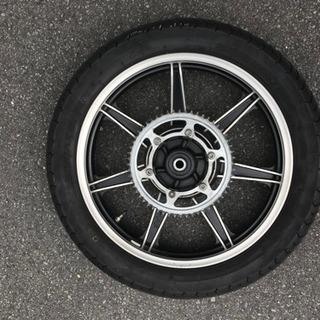 SR400 キャストホイール リア18インチ(タイヤ付き)