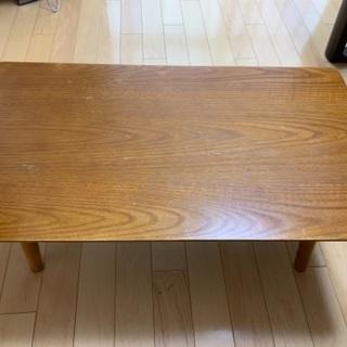 折り畳めるテーブル