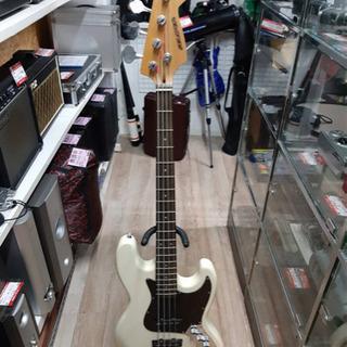 SELDER セルダー ベースギター ホワイト ソフトケース付き
