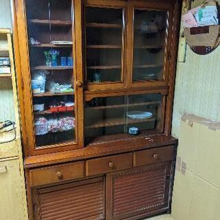 食器棚(早いもの勝ち‼️)