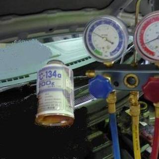 車のエアコン ガス補充 漏れ留め・添加剤充填