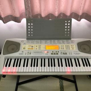 【ネット決済】光る鍵盤電子ピアノ 自動演奏 取りに来ていただける方