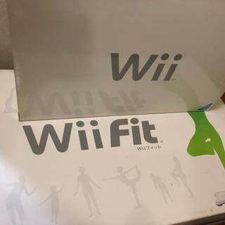 任天堂WiiとWii fitセットソフト無し。現状で
