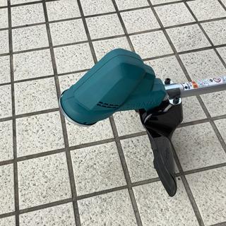 安心・安全・軽量で使いやすい! makita  充電式刈払機 MUR190SD  付属品・説明書有 − 岐阜県