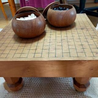 宮大工の作成した碁盤と碁石のセット
