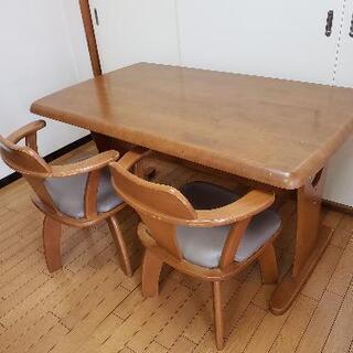 【受付終了】木製ダイニングテーブル 椅子3脚