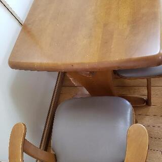 【受付終了】木製ダイニングテーブル 椅子3脚 − 愛知県