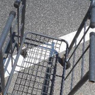 キャスター付き 台車のような 便利な移動かご 買い物かご位縦に2つ