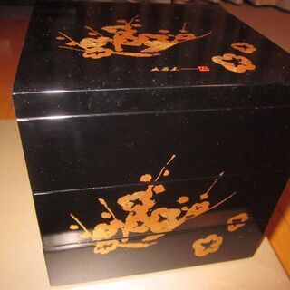 金彩梅模様 お重 三段重 漆器 元箱付 出品中のもの全て10月い...
