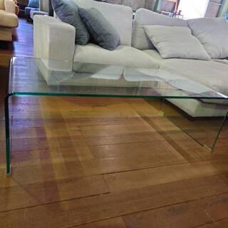 ガラスセンターテーブル15800円プラス消費税です。