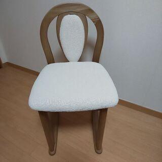 未使用  化粧台椅子  ドレッサー用  小さいイス