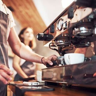 【カフェ・オープニングスタッフ】セミマネージャー募集。経験者のみ...