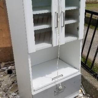 食器棚中古です。高さ120cm