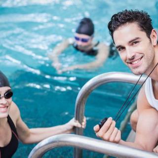障がい者による水泳療育、水泳の個別指導