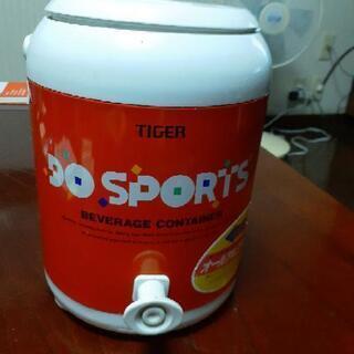 タイガー保冷ボックス小さめ 飲み物の画像