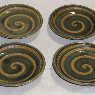 渦巻き柄の小皿  大きさ約12㎝  4枚