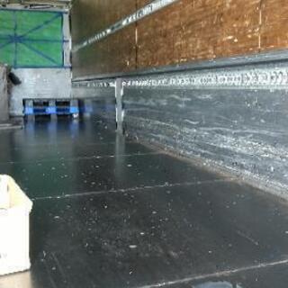 トラックの荷台の鉄板張り、施工致します!