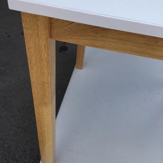 中古 ダイニングテーブル 幅70  奥行70  高さ70  (cm) 天板 白系 天然木使用 食卓テーブル 1人用 2人用 正方形 テーブルのみ - 家具