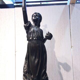 ■5325■小鳥と少女 像 銅像 石台 置物 洋風 玄関 庭園 エクステリア - 高浜市