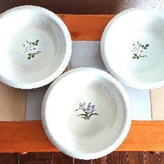 【ネット決済】🌼花柄付き中皿3枚セット🌼