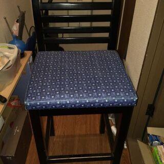 椅子(カウンターテーブル向け?)、譲ります。