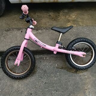 トレーニングバイクピンク