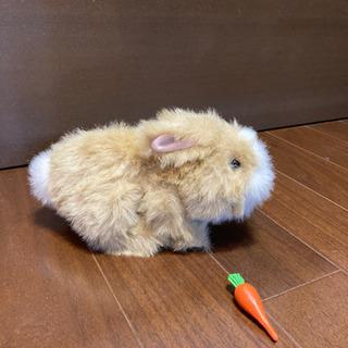ウサギの動くおもちゃ