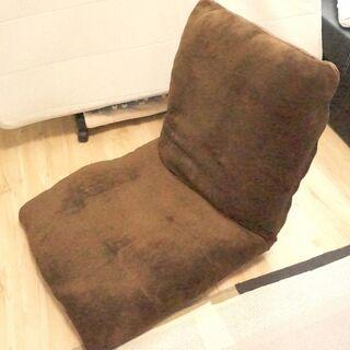 【0円※直接受取りの方限定】折りたたみテーブル・座椅子お譲りしますの画像