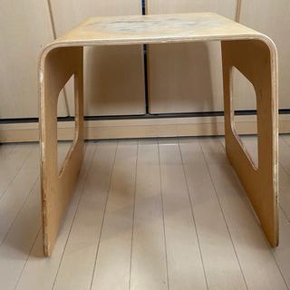 ナイトテーブル