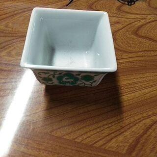 小型の陶器(ほぼ未使用)