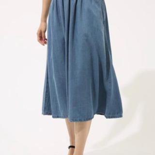 【ほぼ未使用】デニムフレアスカート AZUL BY MOUSSY