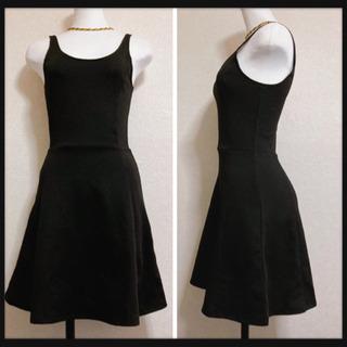 ꒰H&M꒱タイト フレアワンピース ノースリーブドレス 黒…
