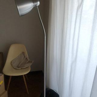 【ネット決済】IKEA フロアライト 電球付き