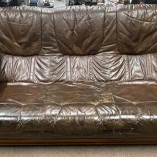 オランダ製三人掛 革製ソファ差し上げます。