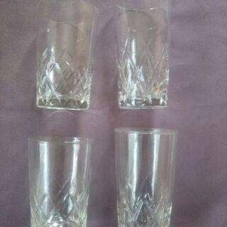 【無料】グラス4個とタンブラー
