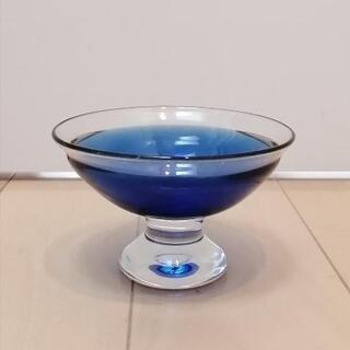 青いガラス いろいろ − 東京都