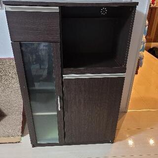 ニトリの食器棚です。