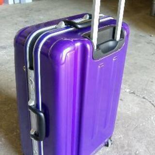 大型スーツケースです。