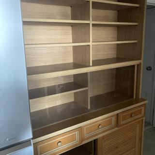 食器棚 (大型家具)