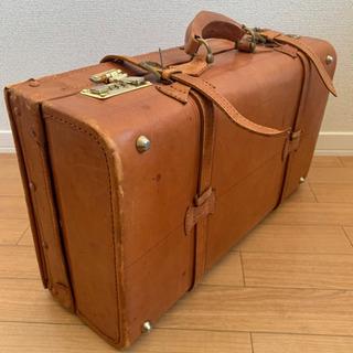 アンティークなスーツケース