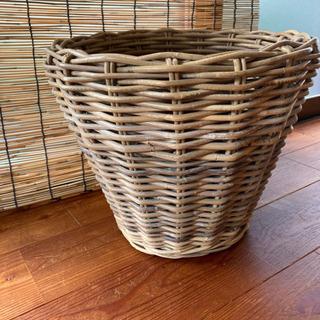 ラタン 植木鉢カバーの画像